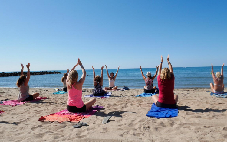 yoga-plage-vias-club-farret