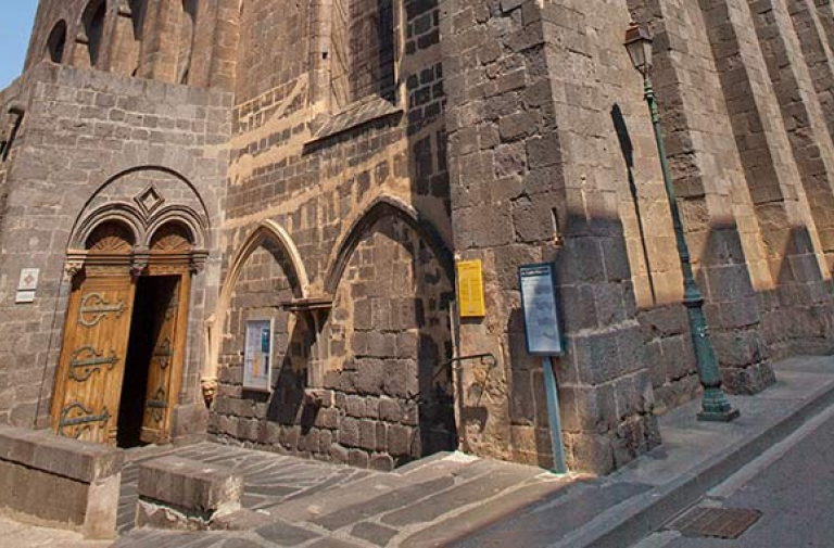 Discover the religious heritage of Agde - a historical episcopal city